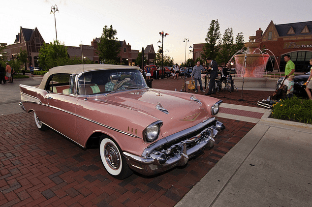CRUISING: South Barrington Cruise Night